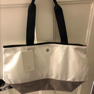 Lululemon Fundamental Tote New With Tags